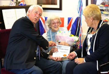 Alderwood Care Home Celebrates Peggy Byford's 101st Birthday with a special visit from the Mayor